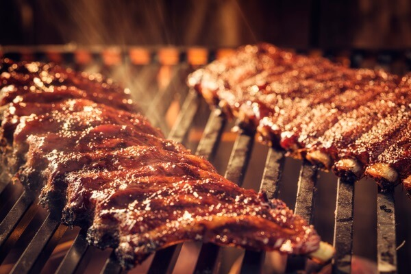 Know the Difference between a Grill and a Smoker?